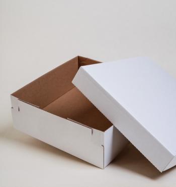 Közepes méretű fedeles doboz 20x20x7 cm
